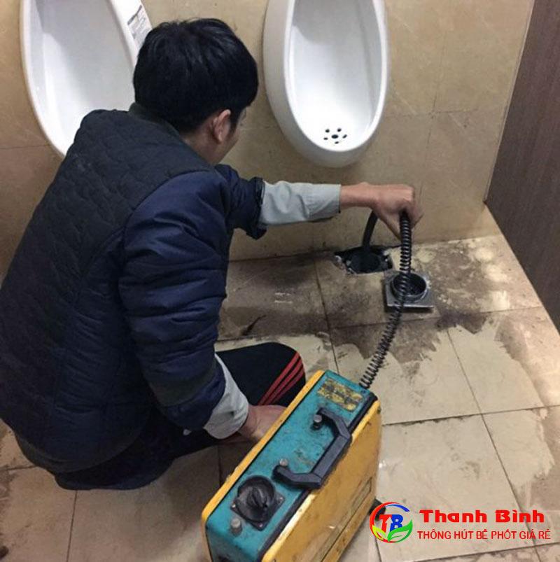 Thông cống nghẹt đường ống thoát nước nhà vệ sinh